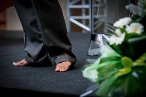 Barefoot speaker